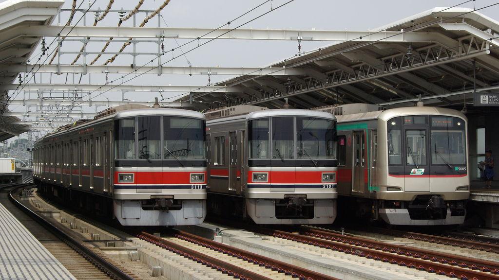 東急3000系(1999)3013Fの写真